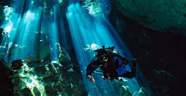 Ayons conscience de la beauté d'une plongée aux cenotes lors d'un voyage au Mexique